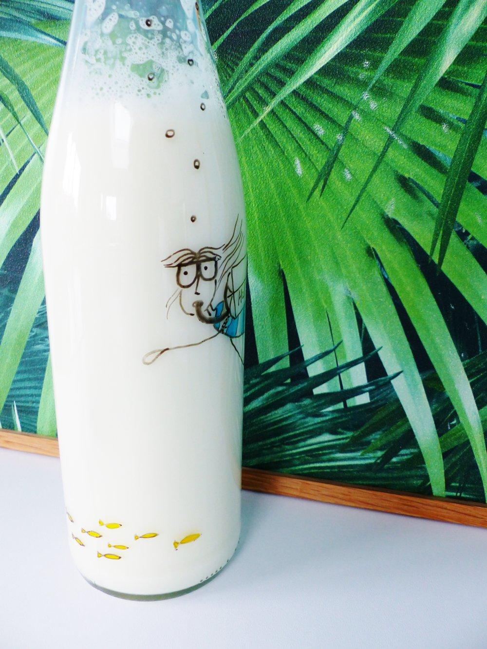 bouteille carafe PLONGEUSE en verre peint à la main
