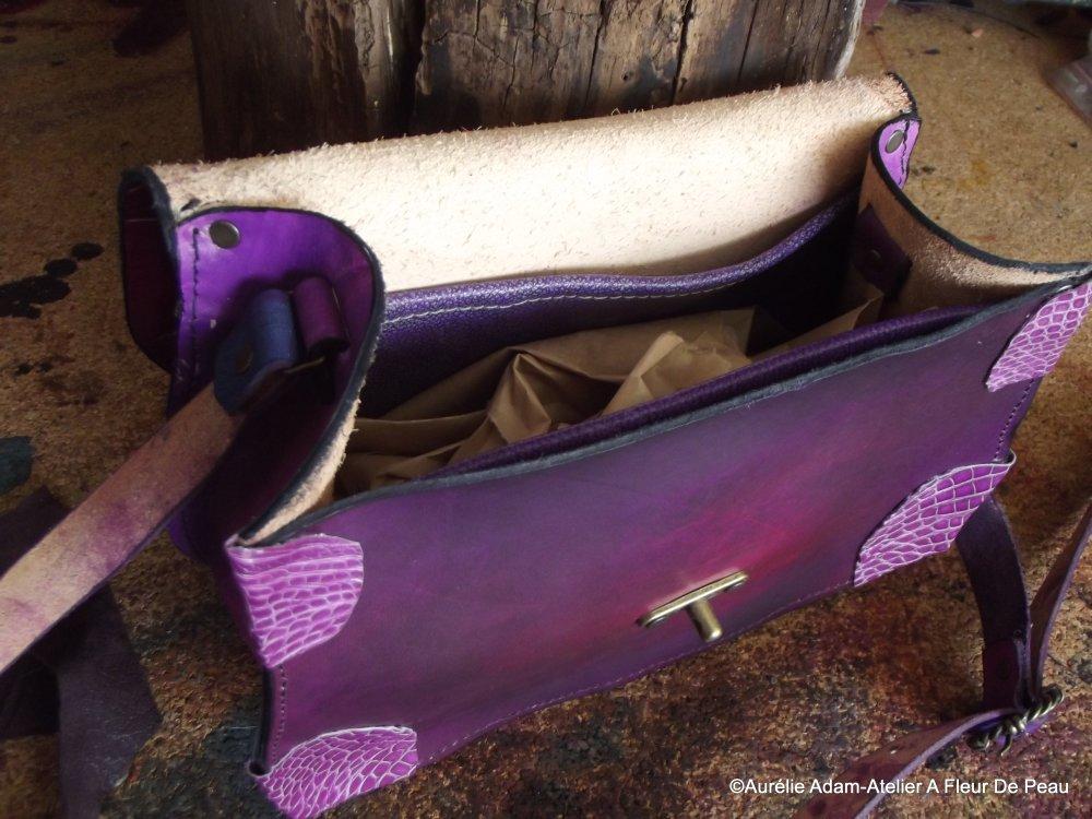 Sac en cuir en forme de feuille, style féerique, elfique .