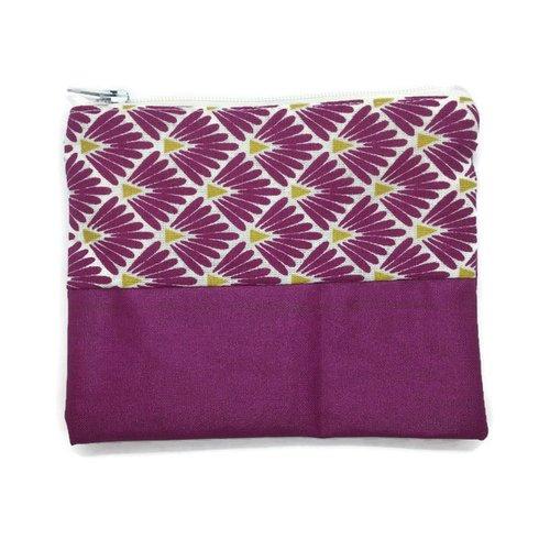 Porte monnaie violet et motifs géométriques