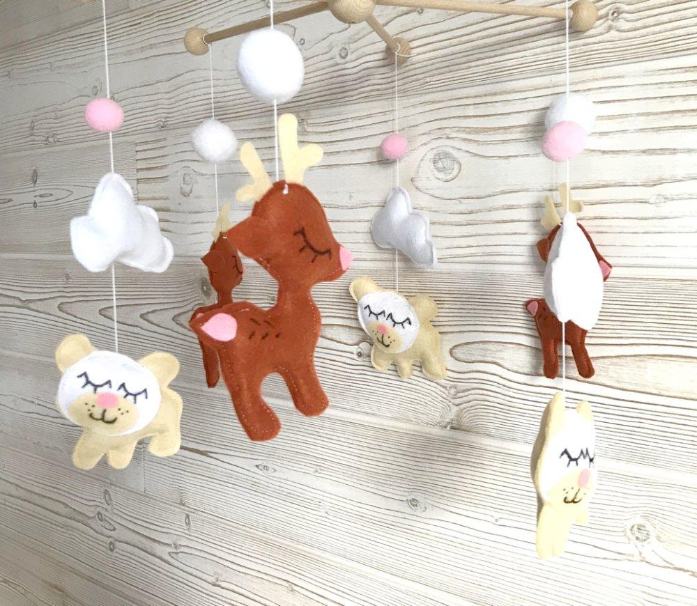 mobile bébé, theme cerfs et ours blancs ,mobile foret, décoration chambre bébé
