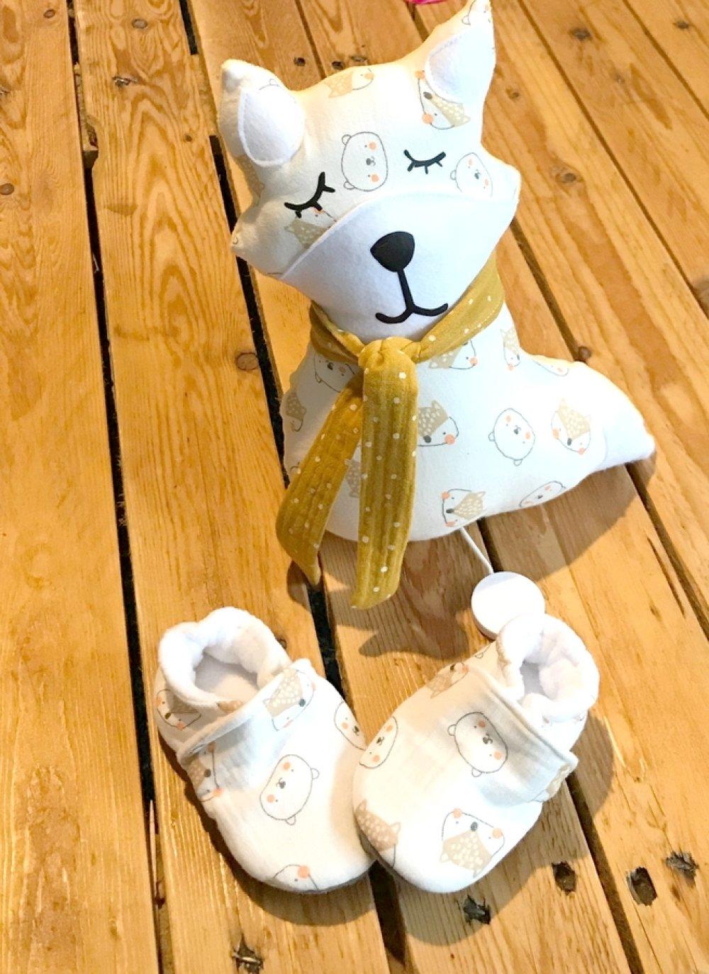 ensemble naissance, kit cadeau , baby box, coffret cadeau naissance, chaussons bébé, renard musical