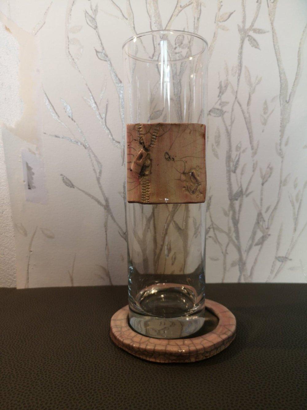 Vase en verre rond et céramique en raku rose