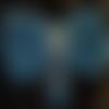 """Broche noeud """" lamé bleu turquoise et argent """" au crochet et breloque fait main"""
