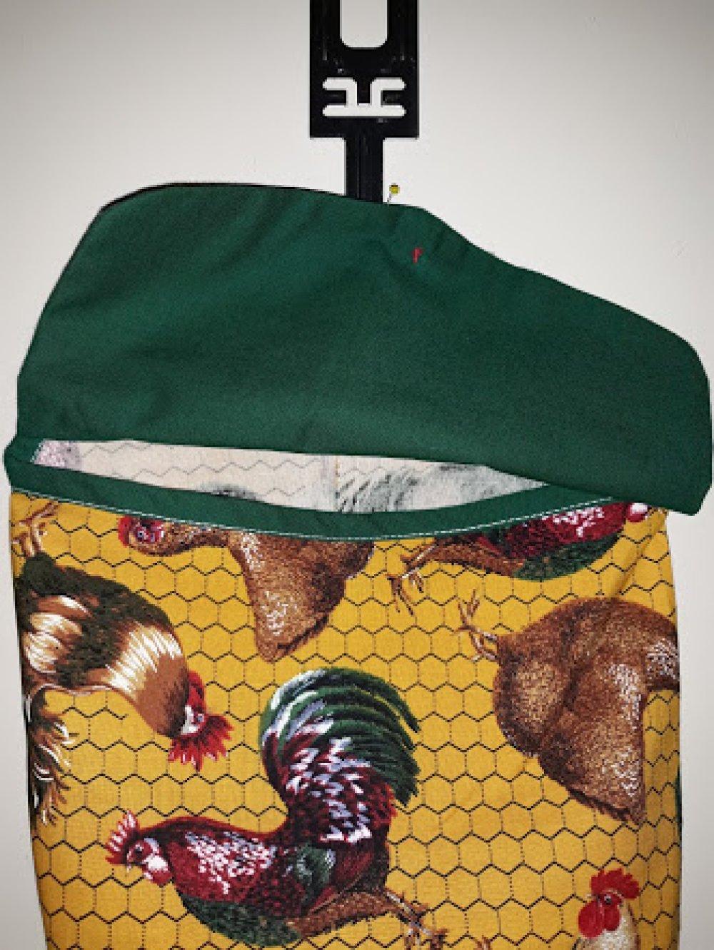"""Sac à sacs """"poule au grillage"""" en coton grand teint pur  patch de grande marque a accrocher FAIT MAIN"""
