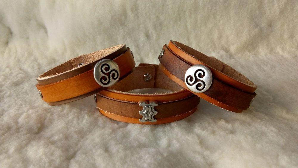 Bracelets cuir pleine fleur