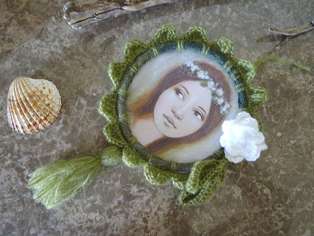 Cadre crochet vert fleur avec illustration fée de la forêt