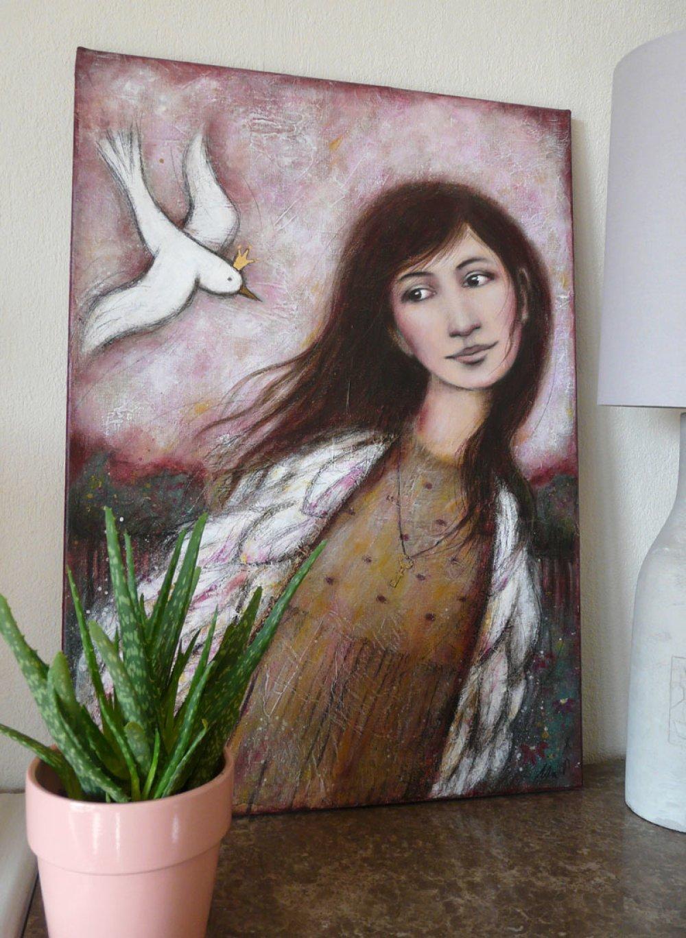 """Peinture """" Comme toi """" Femme avec parure ailes , oiseau blanc couronné, clef d'or"""