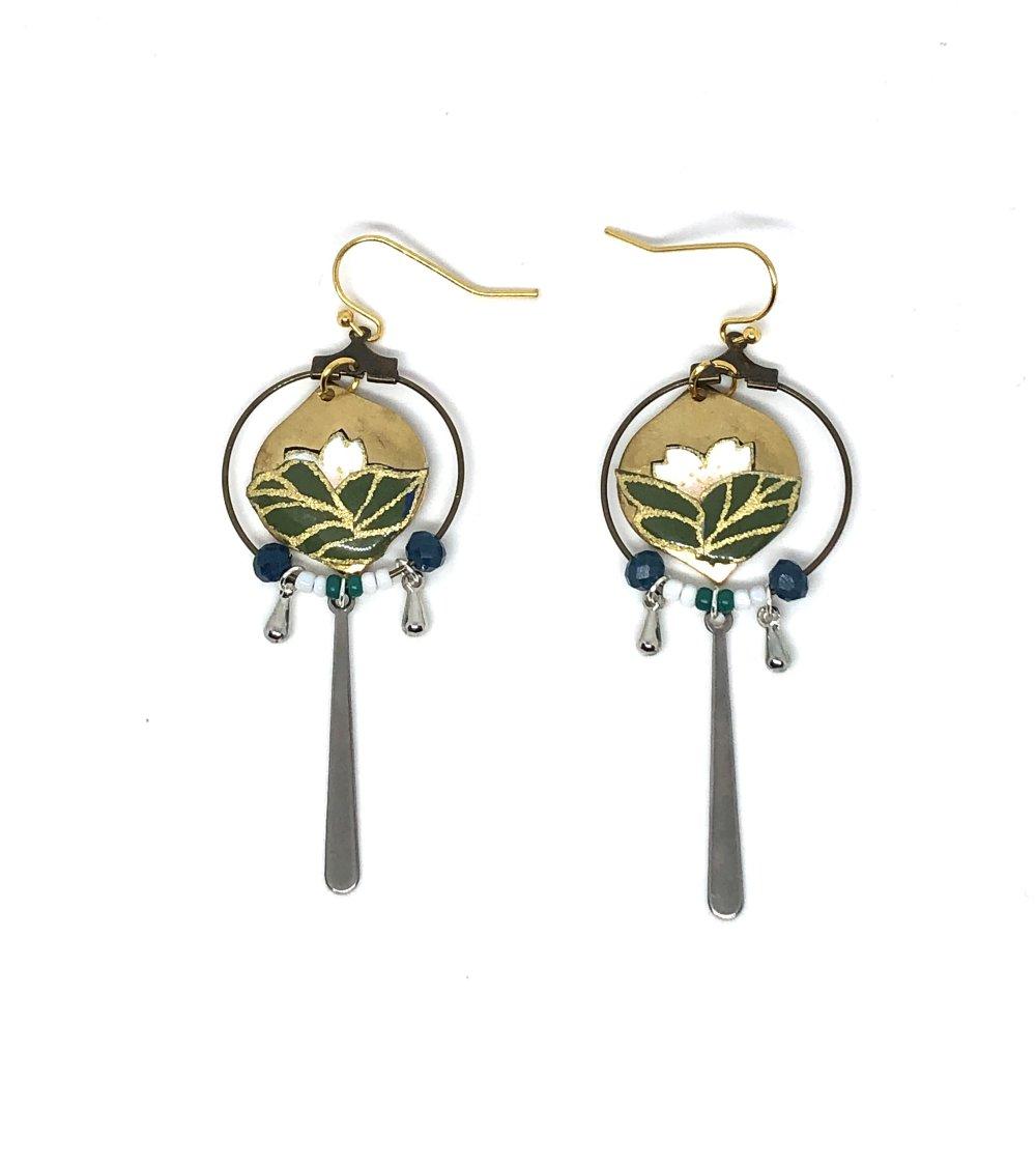Boucles d'oreilles bouton de Lotus Arihito 在仁 Plaqué or.