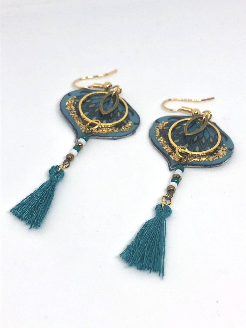 Boucles d'Oreilles plume de Kujaku 孔雀 Paon japonais. Plaqué or