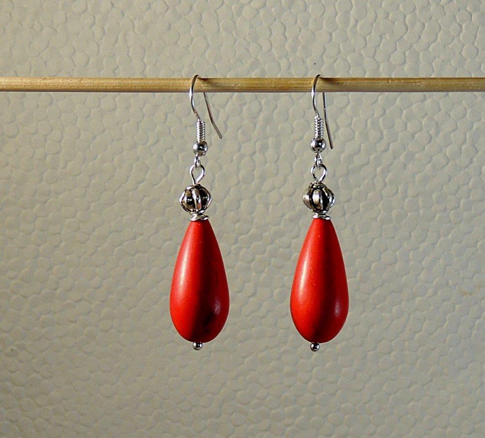 Boucles d'oreilles en turquoise rouge et métal argenté