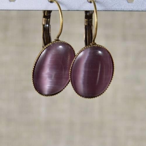 Boucles d'oreilles cabochon oeil de chat prune