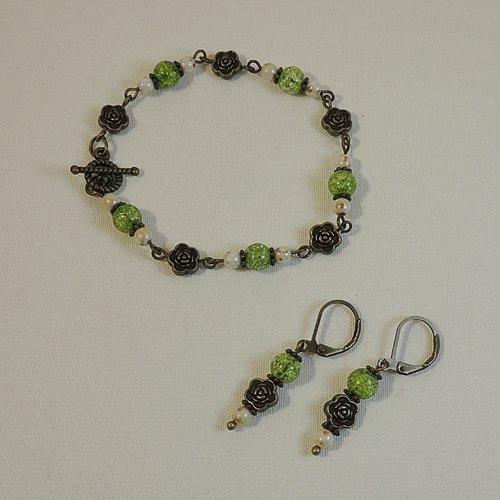 Bracelet et boucles d'oreilles perles en péridot, verre tchèque et perles fleurs en métal bronze