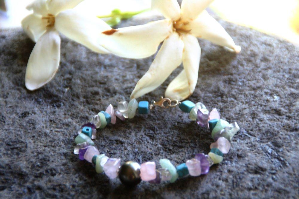 Bracelet multicolore, perle de Tahiti et pierres naturelles