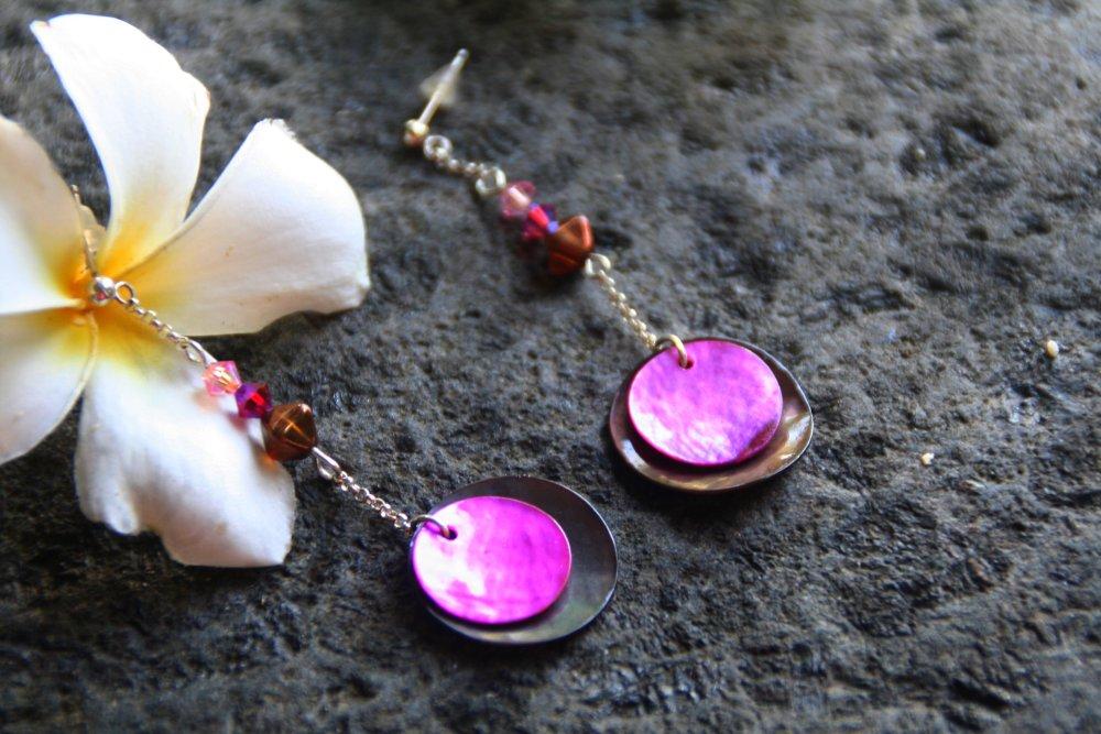 Boucles d'oreilles en argent et nacres colorées
