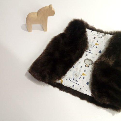 Gilet fausse fourrure marron foncé 9 - 12 mois, motif esquimaux