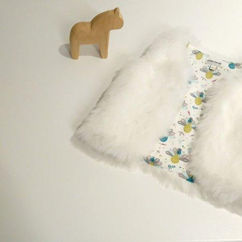 Gilet fausse fourrure blanche 18 - 24 mois, motif paons
