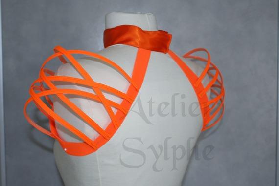 Collier tour de cou et épaule épaulette fantaisie façon crinoline