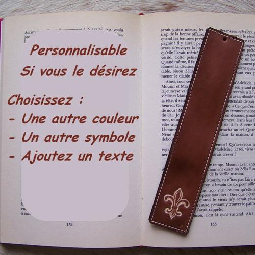 Marque-page en cuir brun, personnalisable, décor fleur de lys