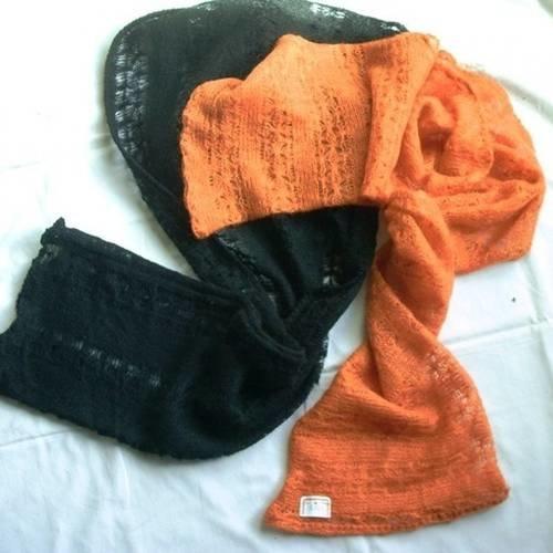 Écharpe ou cache épaules tissu agréable style tricot