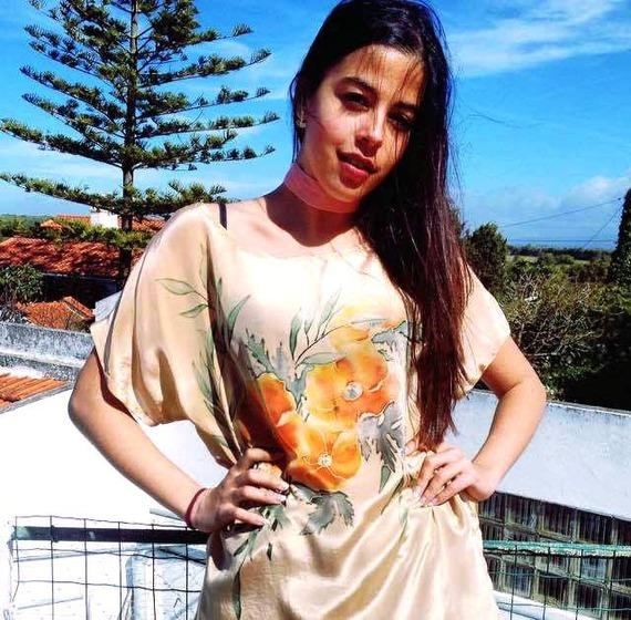 Peinture sur soie pour une blouse  tunique en crêpe  de soie