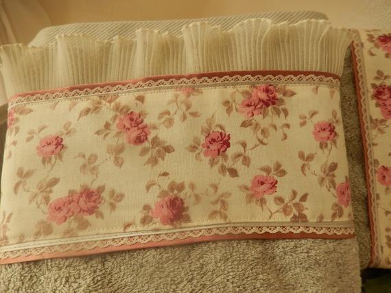 ensemble de 2 serviettes  de toilettes de couleur lin  et tissu  liberty