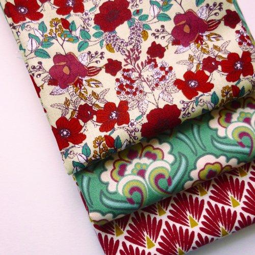 Lot de 3 coupons fat quarter tissu coton motifs style art deco et fleurs style liberty