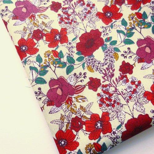 Tissu au mètre coton motifs fleurs style liberty
