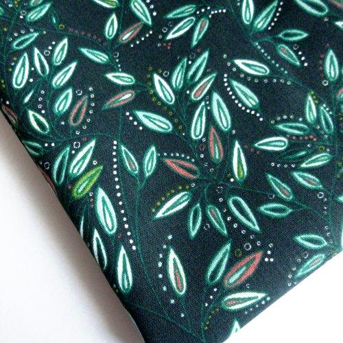 Tissu au mètre coton motifs feuilles