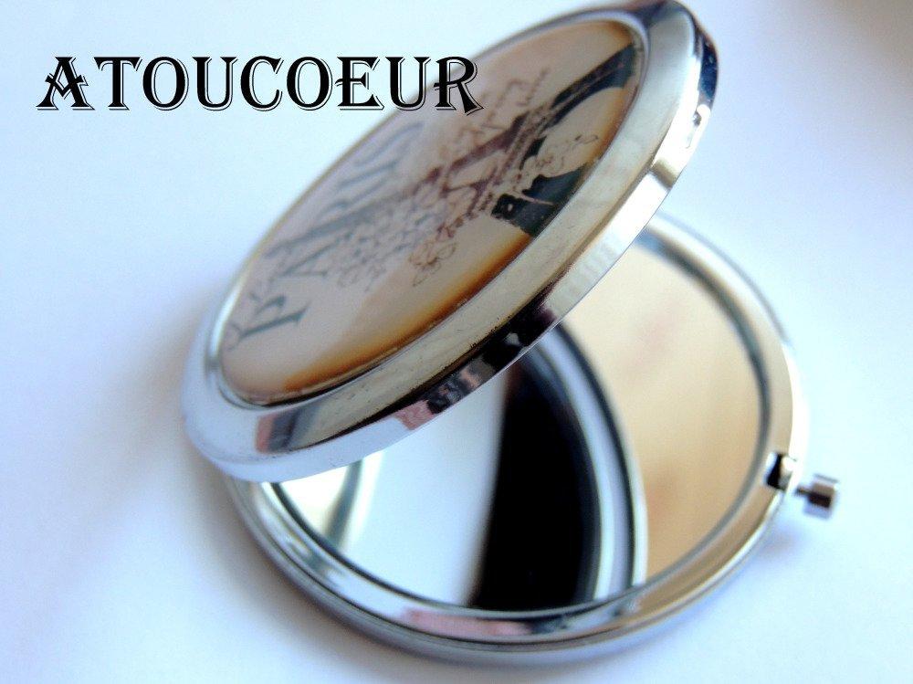 """Miroir de Poche """"  ATOUCOEUR"""" Métal argent :PRIX DU MIROIR."""