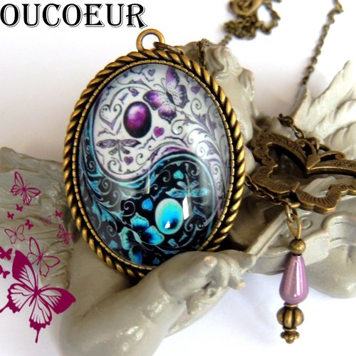 Vintage Violet Plume de Paon Cabochon Verre Bronze Chaîne Collier Pendentif