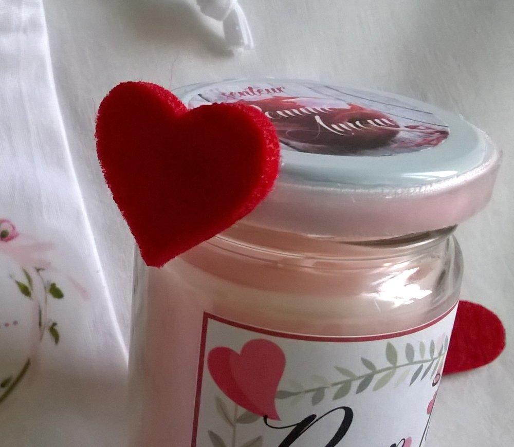 Saint Valentin, bougie cadeau, senteur pomme d'amour, bougie et pochon tissu, les deux personnalisable
