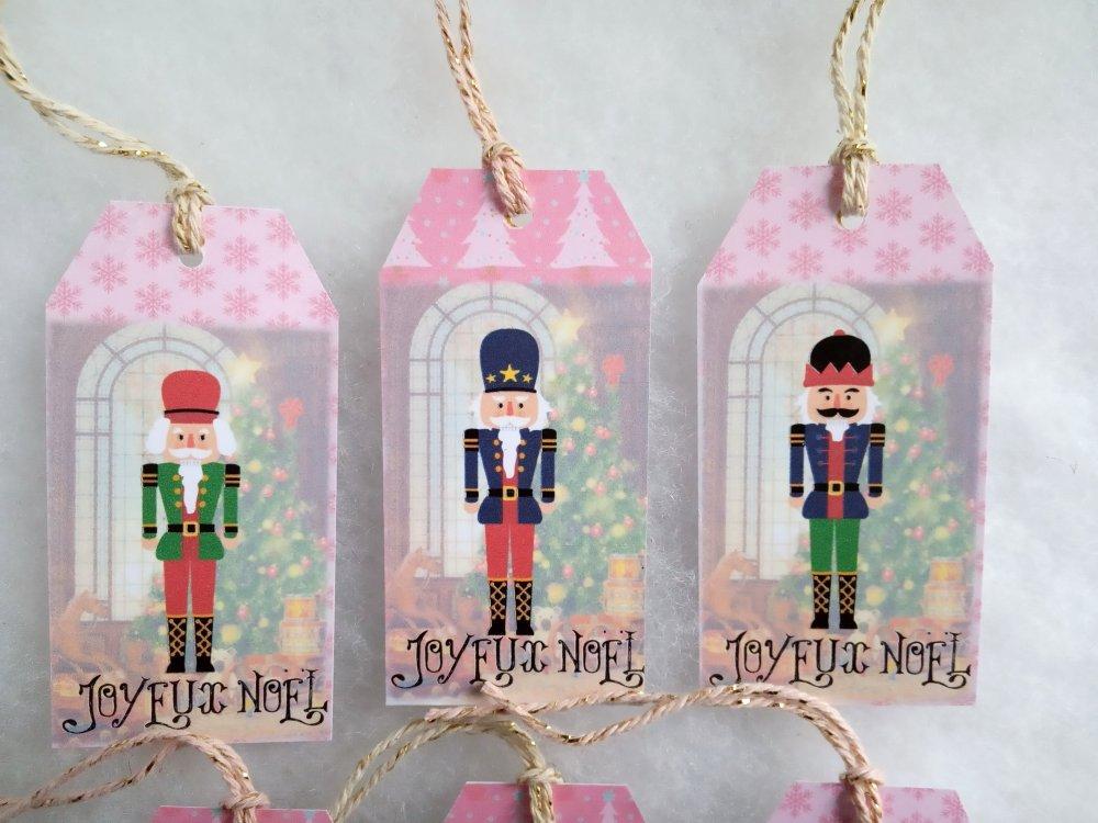 6 Étiquettes Casse-noisette, étiquettes cadeau Noël, images Noël traditionnel, avec ficelle