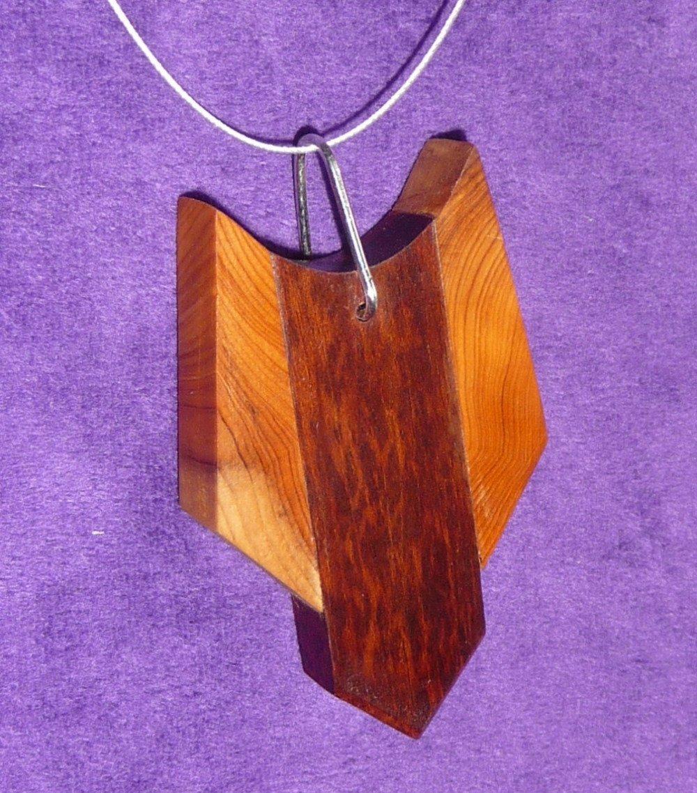 Collier pendentif bois précieux amourette et if