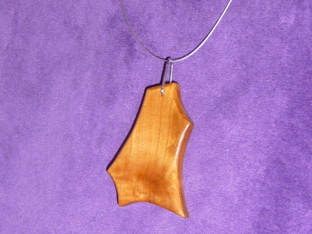 Collier pendentif merisier