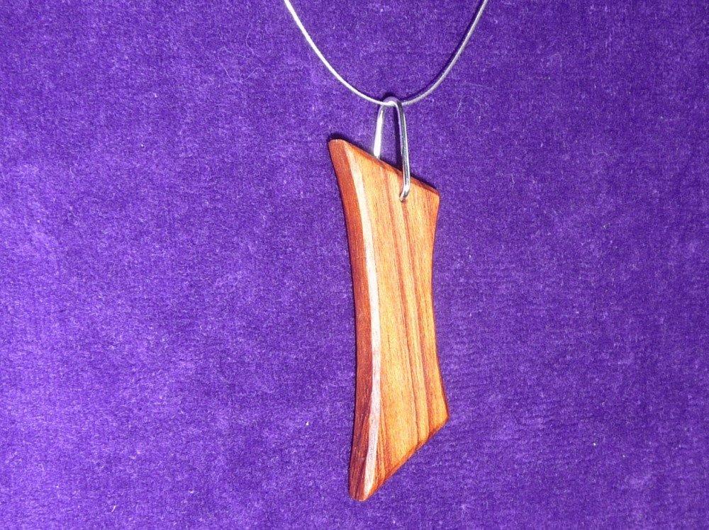 Collier pendentif bois précieux bubinga