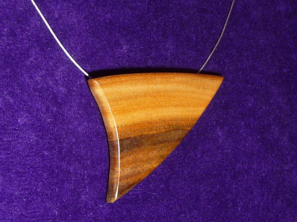 Collier pendentif bois précieux de gaïac