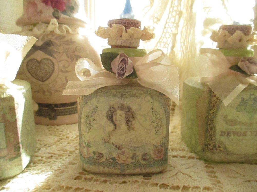 "Fioles anciennes "" Mon parfum ? ... Shabby chic "" Création - Au grenier cosy -"