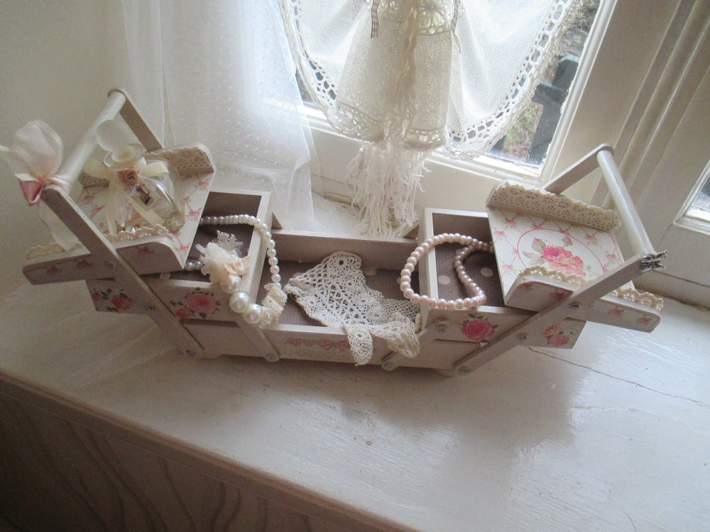 """Mini boite à couture  """" My jewels in Shabby """" Création - Au grenier cosy -"""