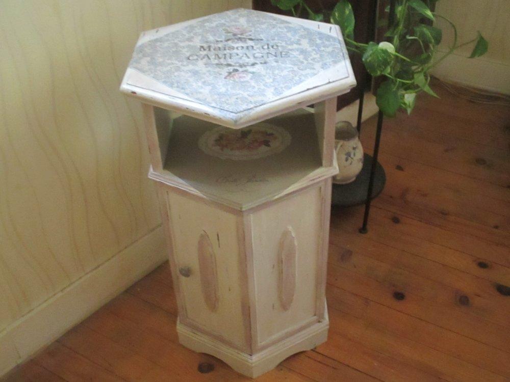 "Petit meuble d'appoint "" Shabby chic "" Création - Au grenier cosy -"