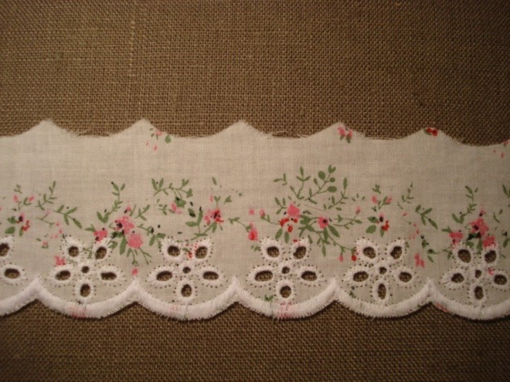 Galon broderie anglaise petites fleurs