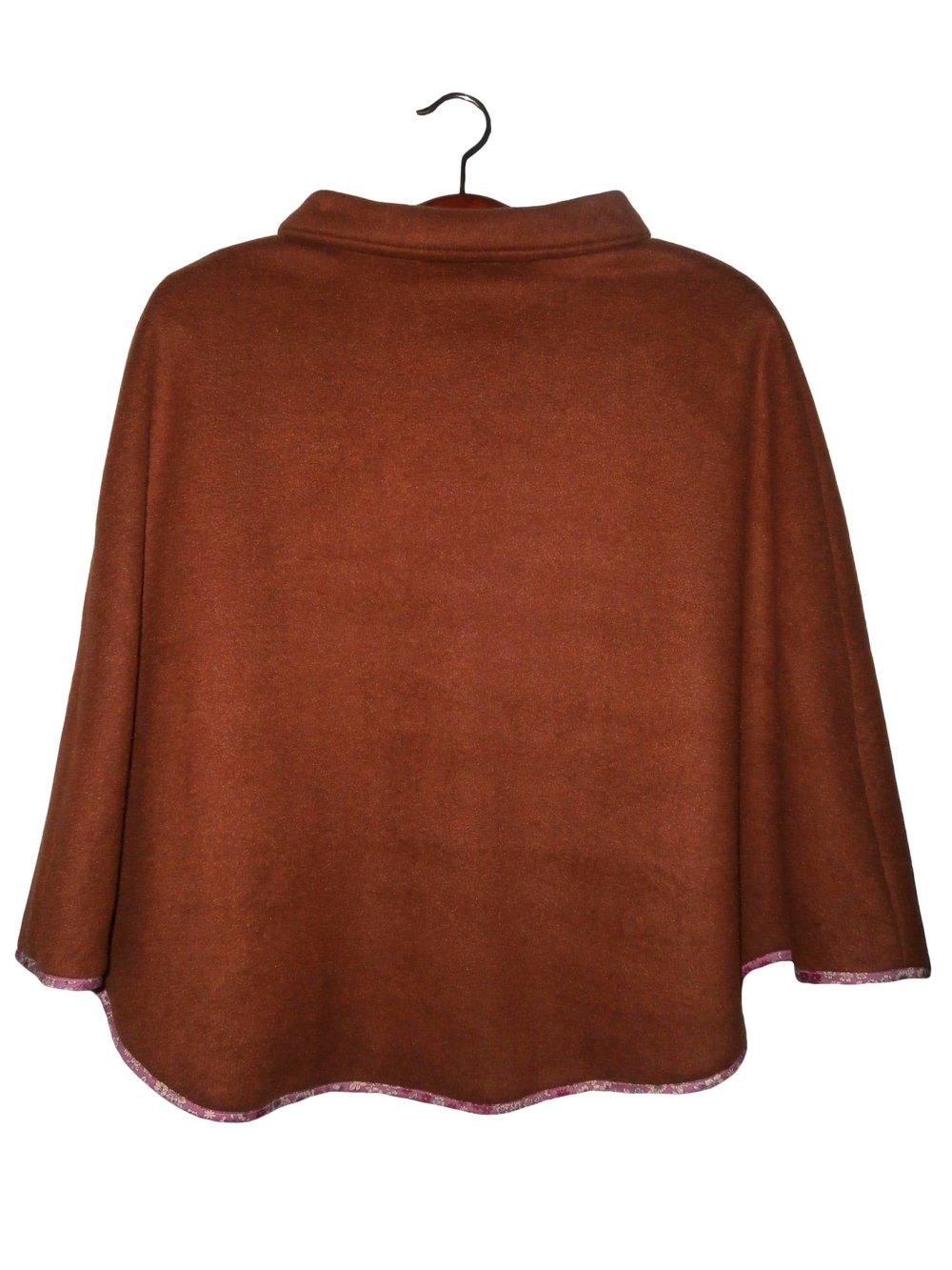 Poncho fillette 7-8ans, polaire douillet marron chocolat et liberty rose, liens de serrage