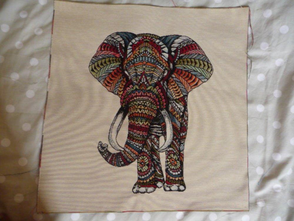Panneau tapisserie éléphant