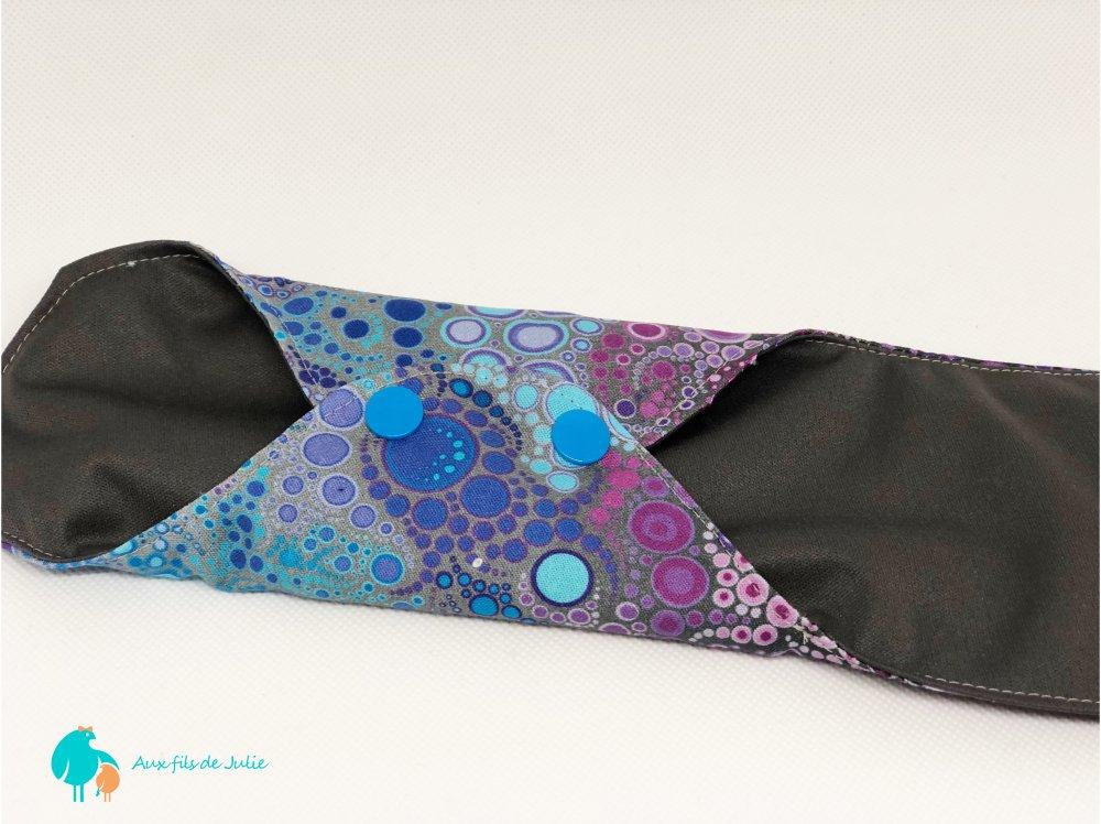 serviette hygiénique lavable flux abondant/ de nuit motif bulles bleues et violettes