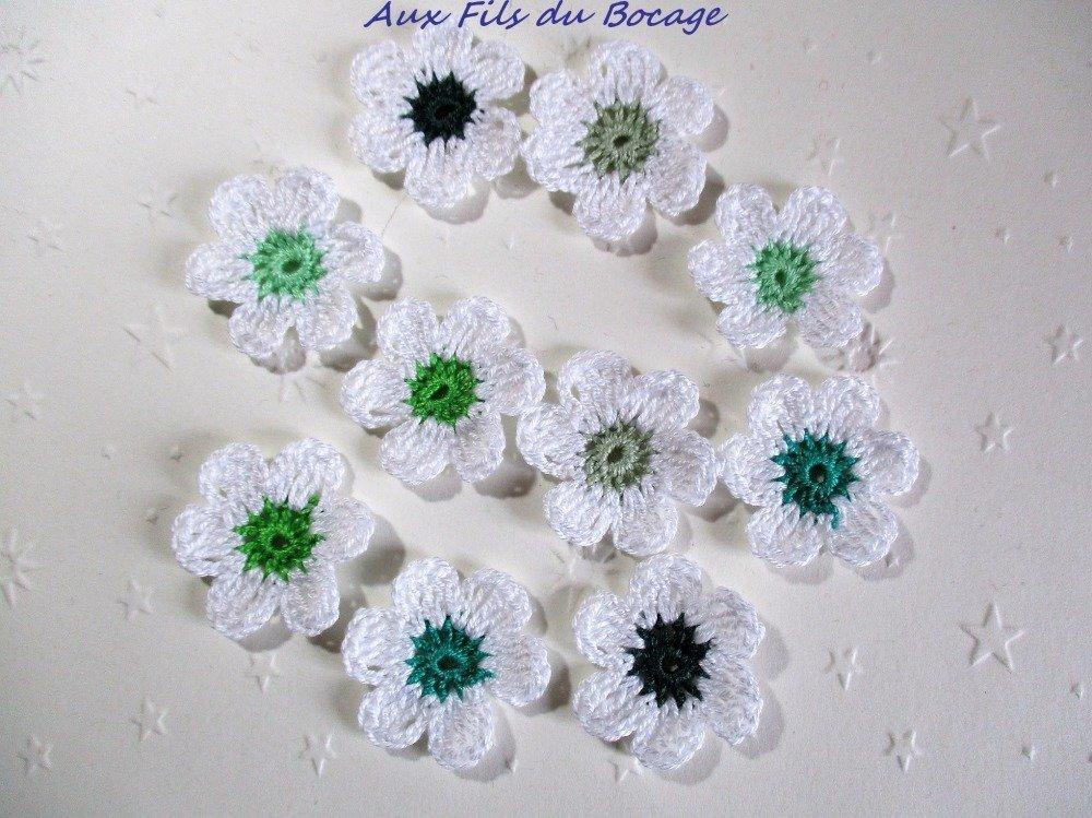 Fleurs au crochet, lot de 10, blanc et vert *123*