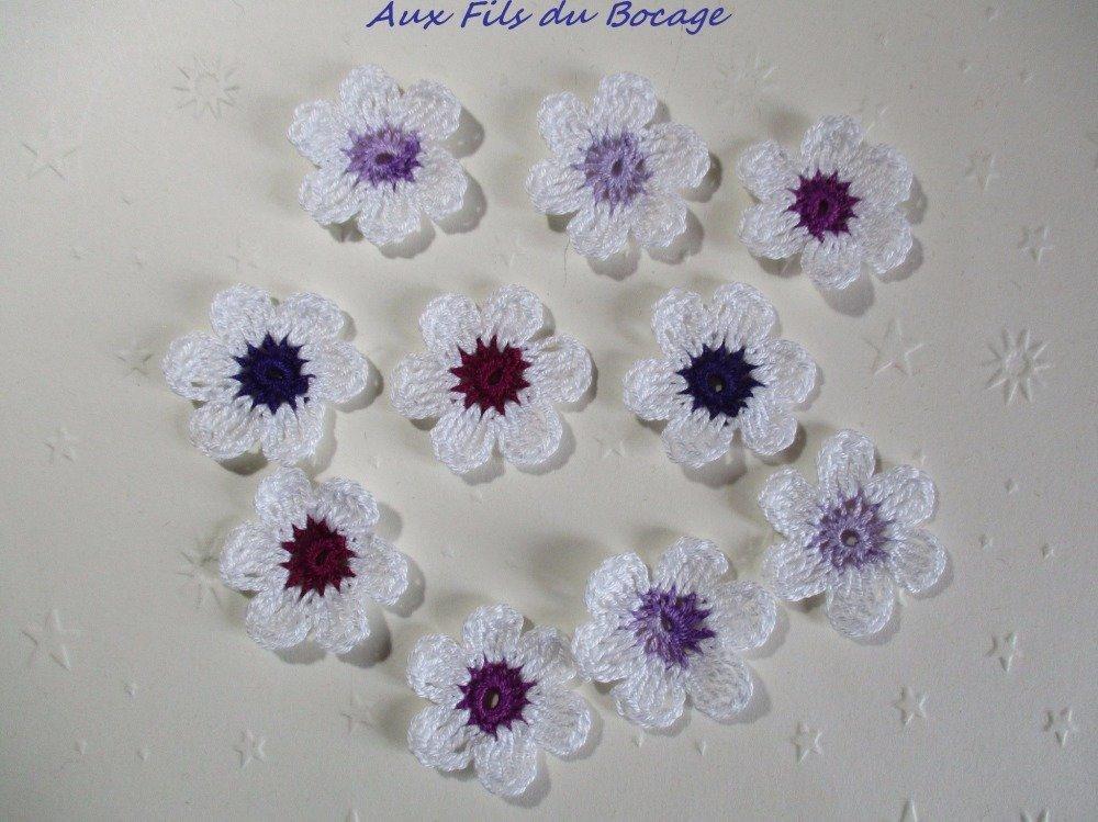 Fleurs au crochet, lot de 10, blanc et violet *126*