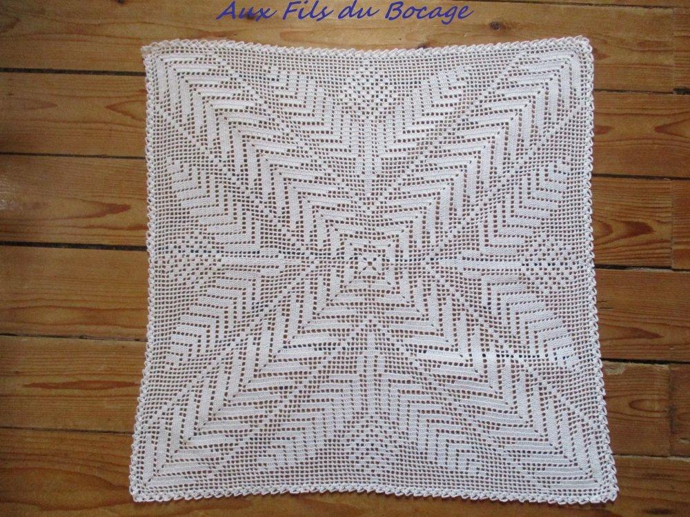 Napperon blanc carré au crochet, 45 cm