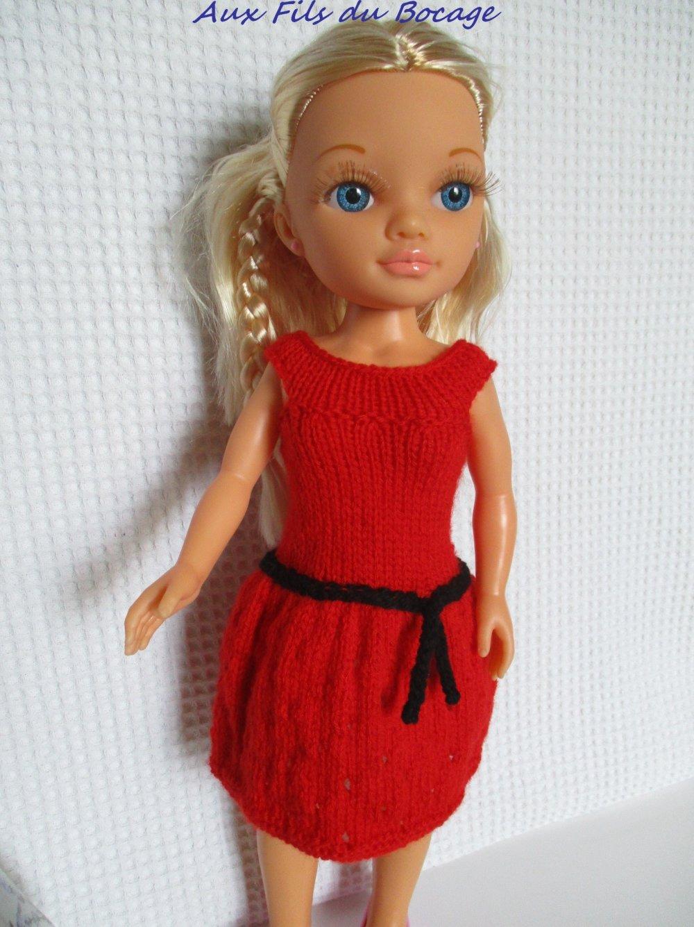 Habits de poupée Nancy, robe rouge