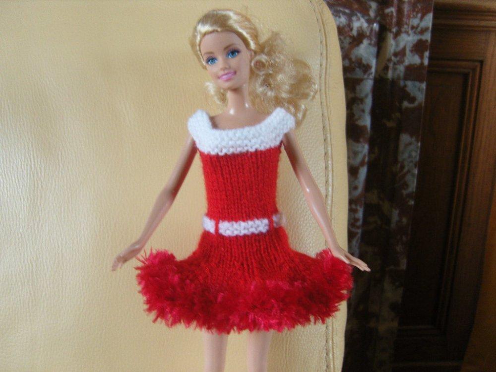 Habits poupée Barbie, robe rouge