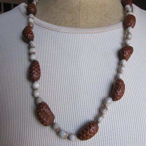 Collier perles végétales