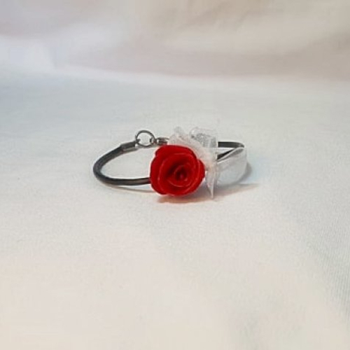 Bracelet réglable cuir noir rose rouge, bracelet organza blanc, bijou vintage,